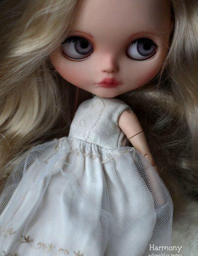 Harmony Close Up Blythe Doll