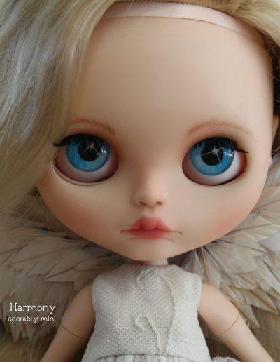 Angel Blythe Doll Sparkly Eyes