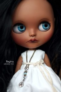Blythe Doll - Reginas Bright Blue Eyes