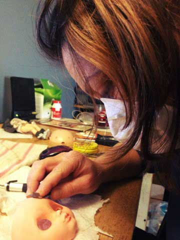 Blythe Doll Artist Creating Blythe Dolls for Sale