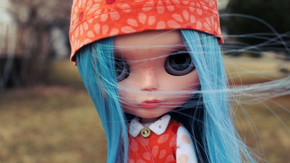slide-blythe-doll-sabrina