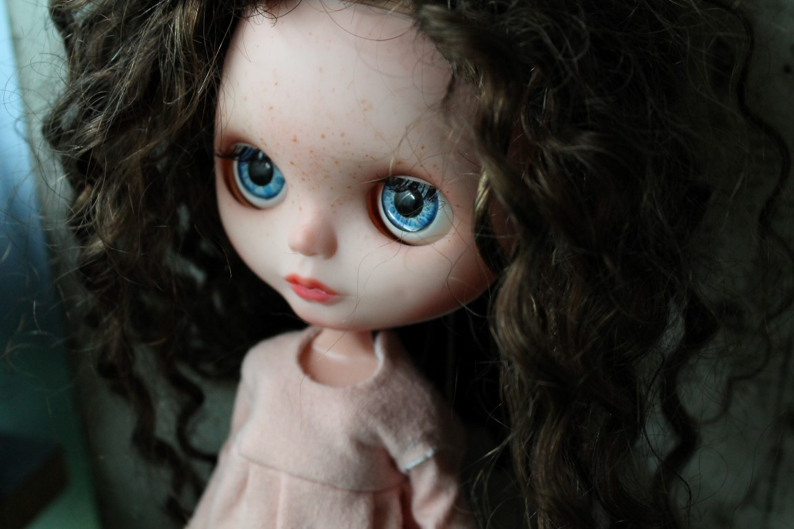 amanda - custom blythe doll