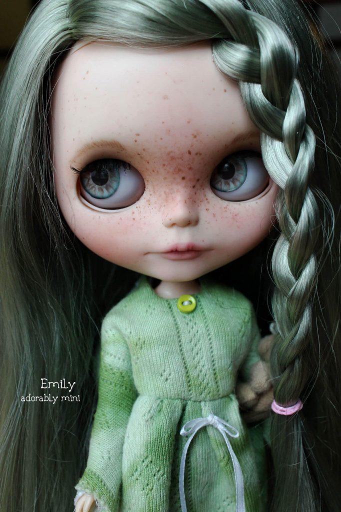Blythe-Doll-18-Emily---02