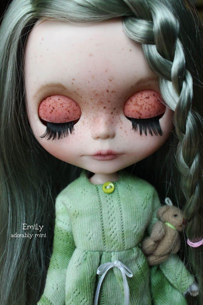 Blythe-Doll-18-Emily---03
