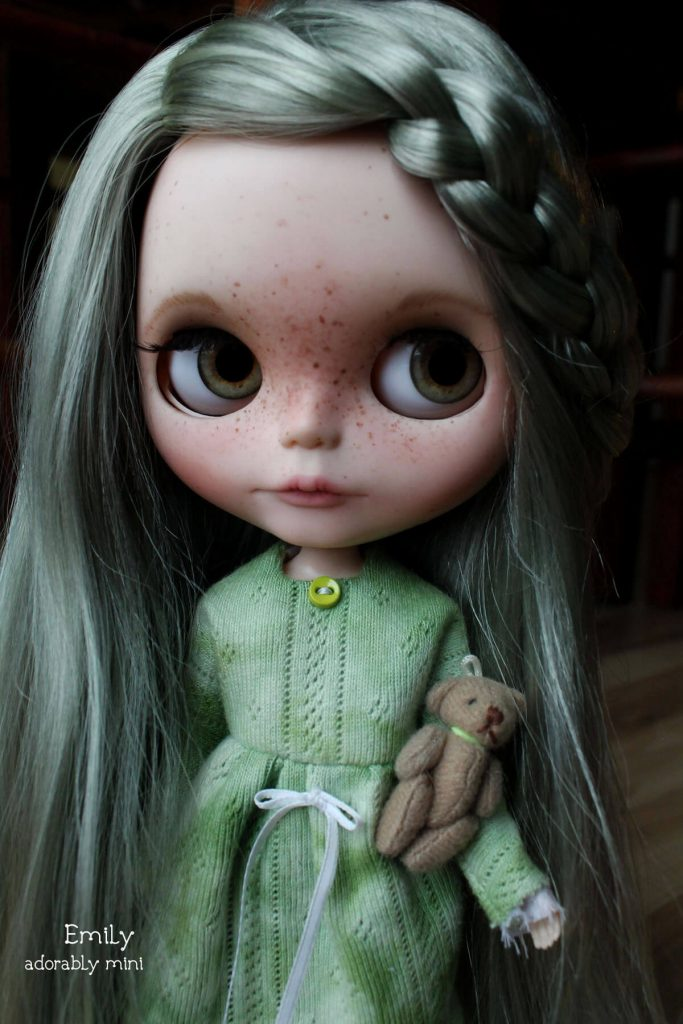 Blythe-Doll-18-Emily---05