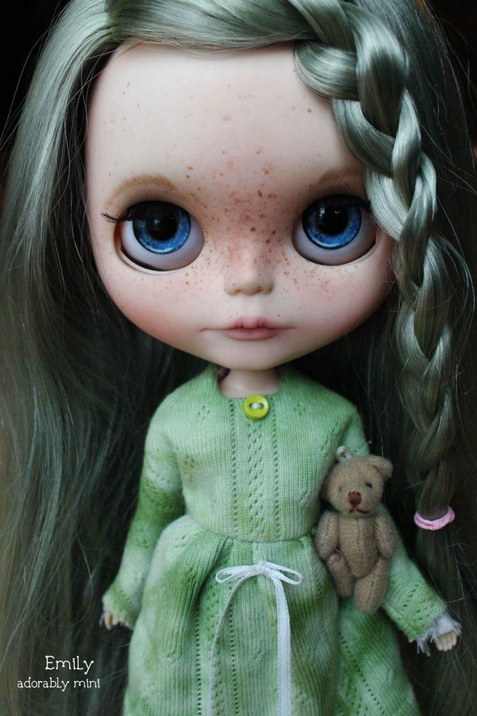 Blythe-Doll-18-Emily---11