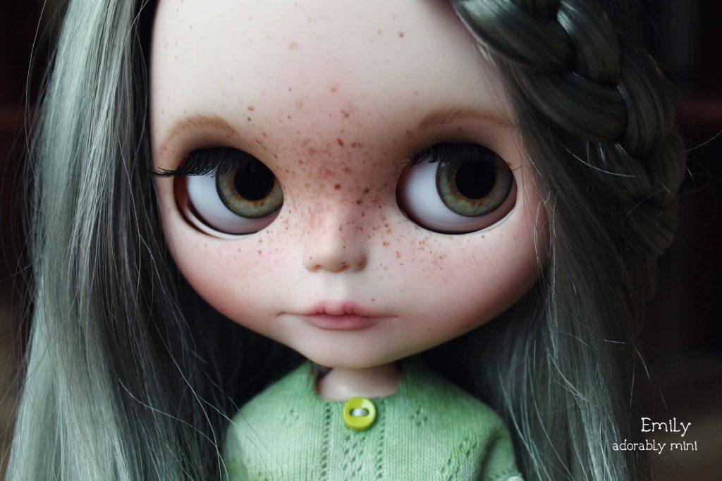 Blythe-Doll-18-Emily---12