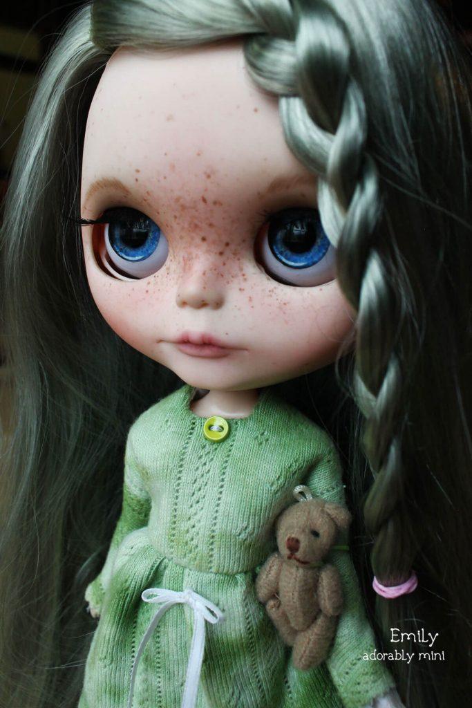 Blythe-Doll-18-Emily---17