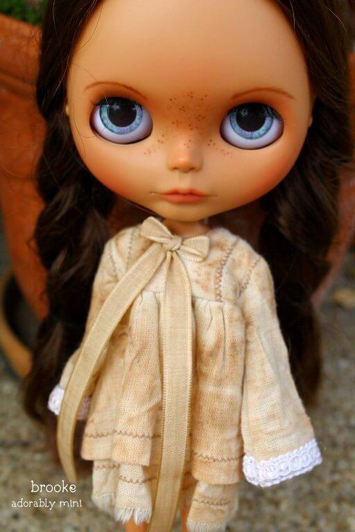 Blythe-Doll-22-Brooke-03