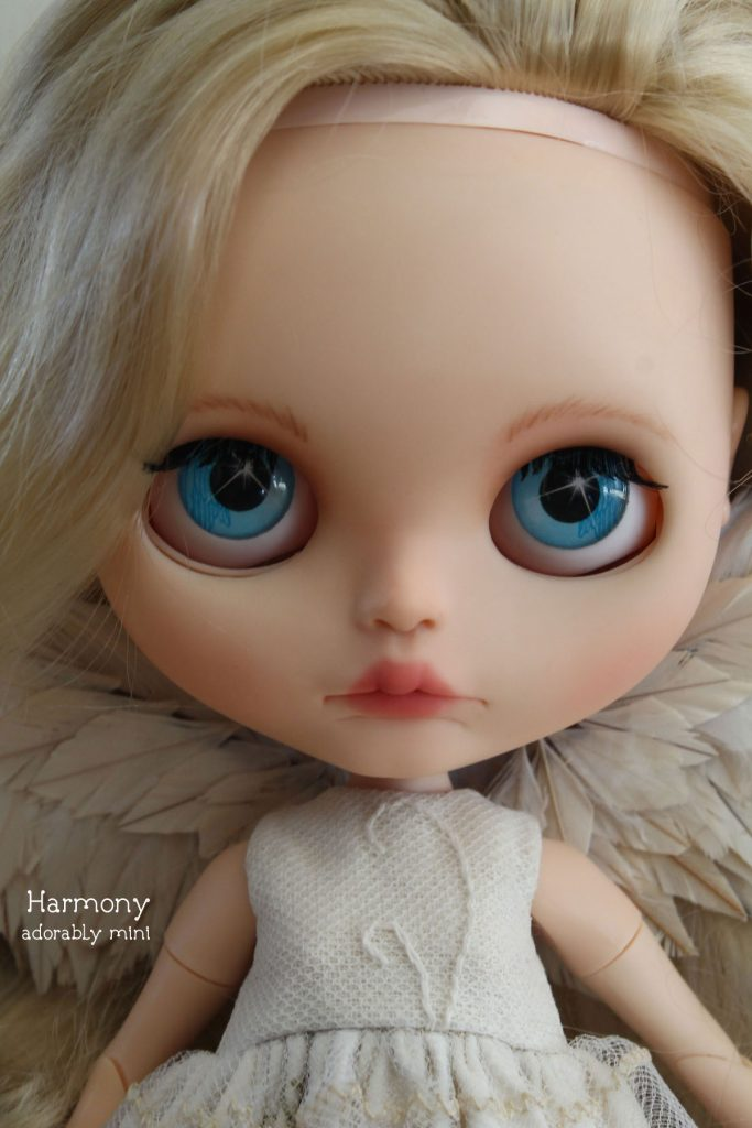Angel Blythe Doll Sparkly Eyes