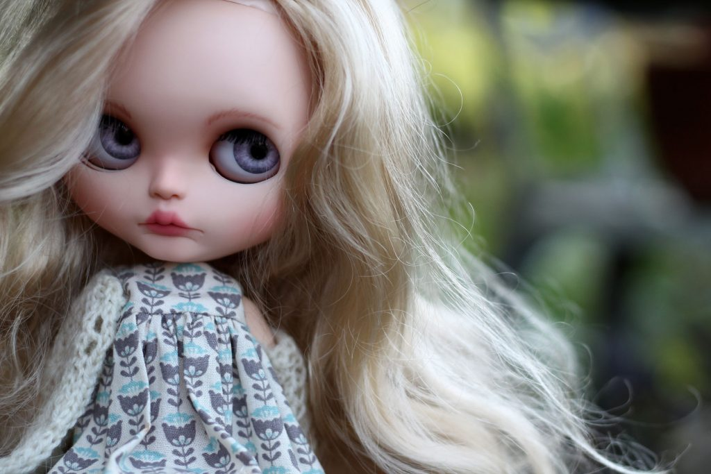 Custom Blythe - Harmony outside
