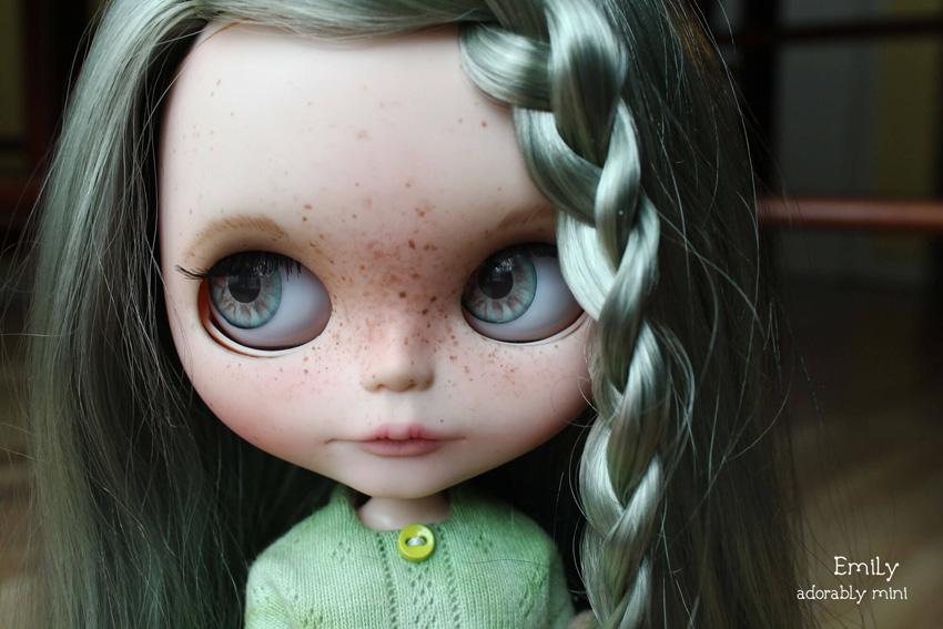 Custom Blythe Doll #18: Emily