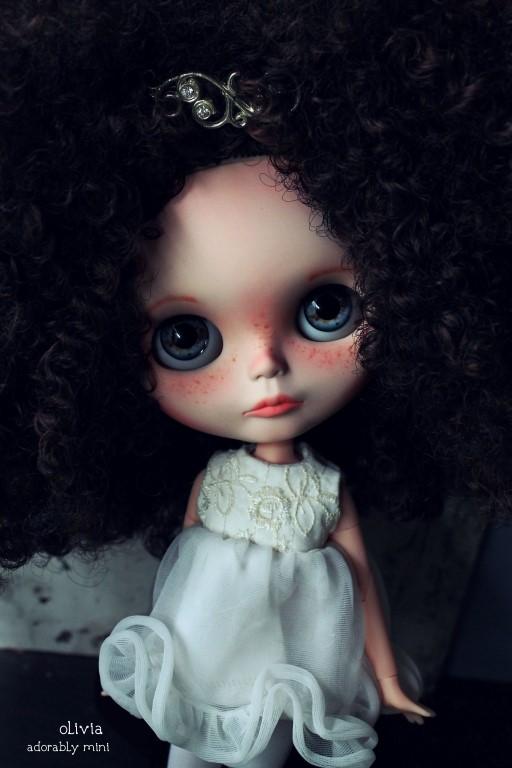 Olivia blythe doll for sale